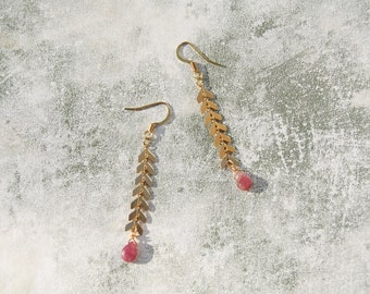 Gold Filled Chevron Drop Earrings with Watermelon Tourmaline Droplets, Gold Chevron Drop Earring, Fishbone Drop Earrings, Boho Gold Earrings