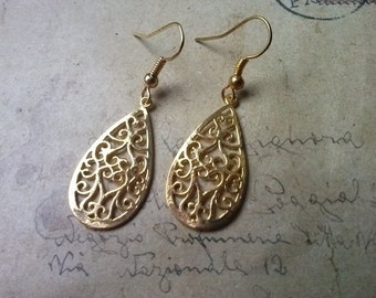 Filigree drop earrings ~ gold ~.