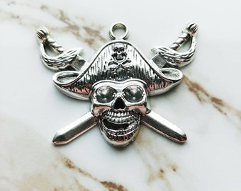 Skull and Crossbones Charm // 1 PC // Pirates of the Caribbean