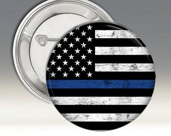 Bleu vie question badge Badge Support Police policiers drapeau américain en noir et blanc avec bande bleu patiné fond bois