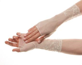 Wedding Mittens Bridal Mittens Lace Mittens Lace Wedding Gloves Lace Bridal Gloves Fingerless Gloves Lace Gloves Mesh Gloves Ivory Gloves