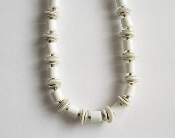 ON SALE Vintage Bead Necklace Chunky Necklace White and Silver Bead Necklace Short Necklace Vintage Jewelry