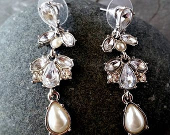 Ladybug Earrings, Silver Earrings, Pearl Earrings, Flat Post Earrings, Beach Jewelry, Beach Earrings, Beach Lover Jewelry, Gift for Her
