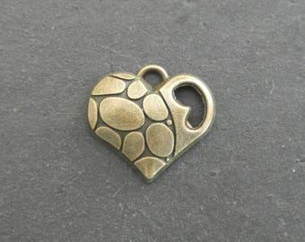 Charm / pendant heart 18 x 17 mm bronze