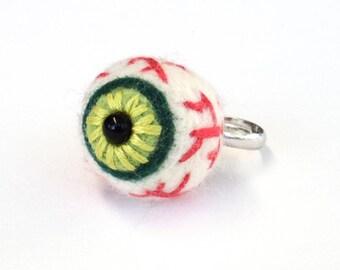 Halloween ring, needle felted eye, spooky felt accessories, cute goth fashion, Adjustable size