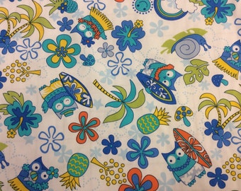 Cute Hawaiian Print in Cotton. (Yardage available)