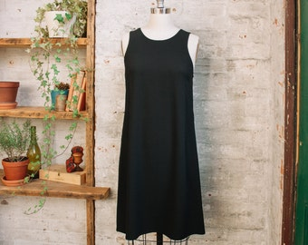 Françoise Sleevelss Black A-Line Dress with Pockets - swing dress - shift dress- little black dress - sleeveless - knee length dress