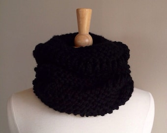 Black knit scarf, knit cowl, chunky cowl scarf, chunky infinity scarf, circle scarf, wool scarf, chunky knit scarf, mothers day gift