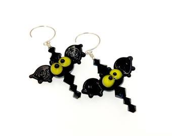 Lampwork Earrings, Bat Earrings, Halloween Earrings, Spooky Drop Earrings, Halloween Jewelry, Scary Black Earrings, Glass Bead Earrings