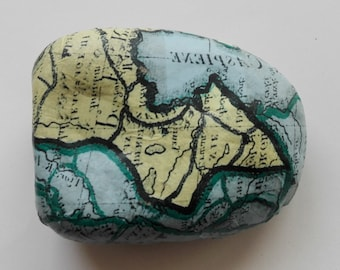 PAPERWEIGHT map, gift for travelers