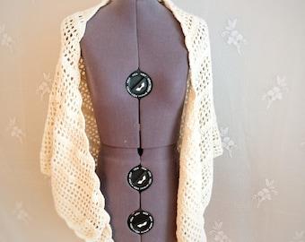 Soft ivory knitted shawl, boho wedding shawl