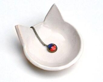 White Cat Dish - Ceramic, Pottery - Ring Bowl, Jewelry Dish, Ring Holder, Tea Bag Rest - Lauren Sumner Pottery, Cat Lover Gift