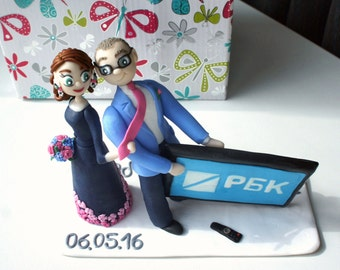 Loves the TV Wedding Cake Topper Personalized figurines bride and groom Custom Cake topper Handmade