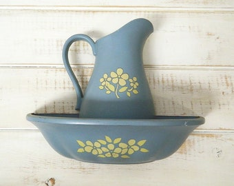 Homco Blue Pitcher & Bowl Wall Pocket