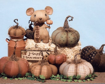 Prim Pumpkins & a Dirty Mouse