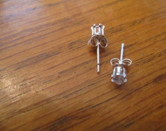 White Sapphire Studs, Petite 3mm Round, Natural, Set in Sterling Silver E899