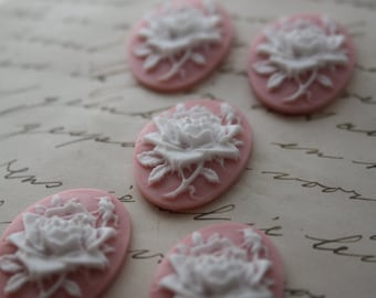 5 unset rose cameos - White on pink
