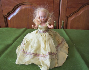 1940s Story Book Type doll * 7 inch * open and close eyes