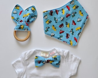 Newborn Accessory Set for Baby Boys - Bandana+Teething ring+Bow tie on a onesie - Cars, vehicles/Baby blue -bib, baby shower gift for boys