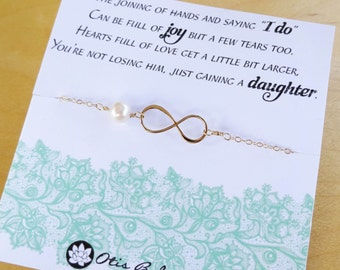 Dainty Infinity & Pearl bracelet, Mother of the groom gift, wedding gift for mother in law from bride, meaningful gift from daughter in law