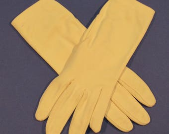 Size 6-1/2 Canary Yellow Vintage Gloves