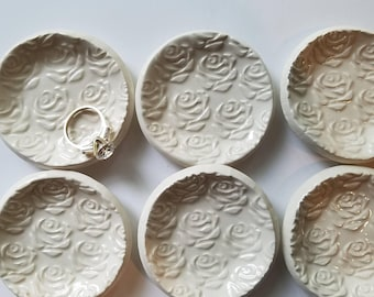 Bridesmade Gift White Rose Ceramic Dish Rose Design Small Round Shaped Trinket Dish Jewelry Dish Gift Wedding Ring In Stock price is for one