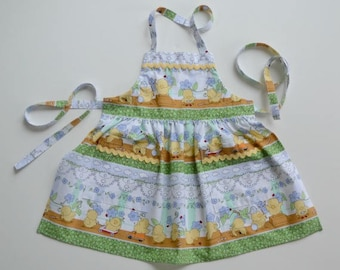 Toddler/girl apron, whimsical print with busy chicks, birthday gift, apron with pockets, stocking stuffer, sizes 1 to 6.
