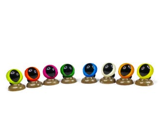 18mm - 16 Colours Cat /Dragon Safety Eyes,High quality coloured Teddy Bear Safety Eyes come complete with push plastic washers