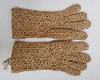 Vintage Women's Natural 100% Virgin Wool Knitted Gloves Made in Switzerland for Lord and Taylor