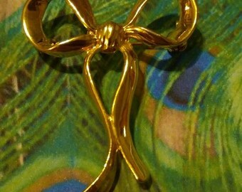 Vintage bow brooch gold tone pin ribbon jewelry