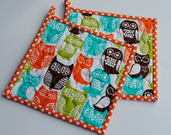 Mother's Day Gift, Hotpads, Quilted Potholders, Swedish Owl Potholders, Shower Gift, Hostess Gift, Set of two potholders, Fabric Potholders