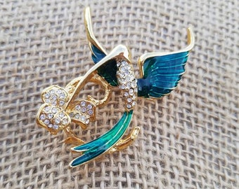 Stunning Vintage Green Rhinestone gold tone brooch Beautiful Vintage hummingbird enamel brooch