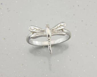 Dragonfly ring in Sterling Silver.