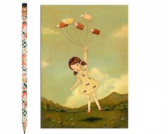 Buch-Liebhaber-Postkarte, Bookworm Karte, lesen, blass rot, gelb, Creme, Kunst für Kinder, Mädchen, fliegen, niedlich, Buch-Liebhaber, Bücherwurm, Geschichte