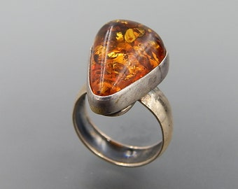 Vintage Poland sterling silver honey Baltic amber ring size 8.0 SKU 5630