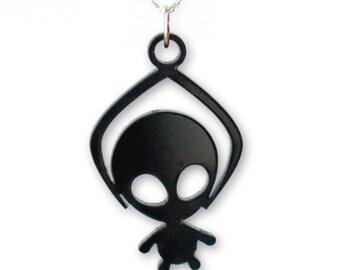 Toy Grabber Alien necklace - black