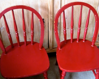 VINTAGE RED CHAIRS Children's Wood Farm House Spindle
