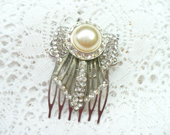 Authentic Vintage Art Deco RHINESTONE and Faux Champagne Pearl Hair Comb - vintage WEDDING - GATSBY Bridal - 1920s 1930s - Angel like motif