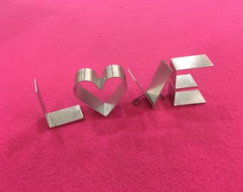 "Metal letters freestanding-mini 2"" LOVE HOME HOPE with letter O or heart shape!"