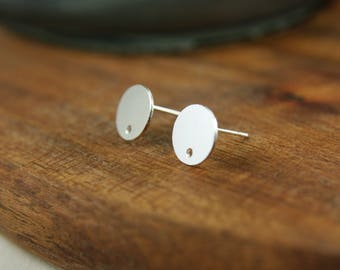 Silver dots - silver plated ear studs A43