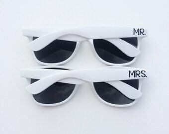 Mr and Mrs Sunglasses, Wedding Sunglasses, Honeymoon Gift, Custom Sunglasses, Bride and Groom Sunglasses, Personalized Sunglasses, Wayfarer
