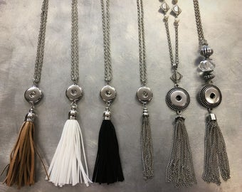 Snappy Chicks tassel necklaces holds 1 snap