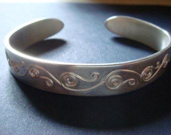Keltische Drahtdesign auf massivem Silber bar