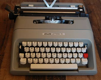 Vintage Olivetti Typewriter, Olivetti Lettera 35 portable typewriter, very good condition, very clean, types well, all functions work