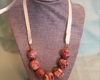 Marble ribbon tie necklace