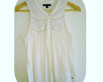 Beautiful small white blouse made in India.