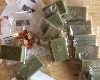 Set of 50 custom handmade soaps from 30-40g rectangular with engraving. Soap with extra virgin olive oil of your choice.