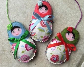 lot de 3 sachet de lavande, matriochka en feutrine et tissu ,décoration à suspendre,décoration de noel