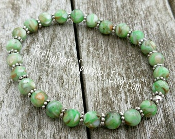 Green Mosaic Shell Stretch Bracelet / stackable green bracelets / green elastic bracelets / stacking bracelets / green stretchable bracelets