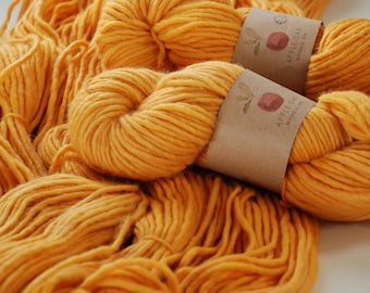 CHUNKY WOOL YARN ~ Naturally Dyed ~ Stockholm~  Where the bee flies (A2) ~ plant dyed  ~ Bulky